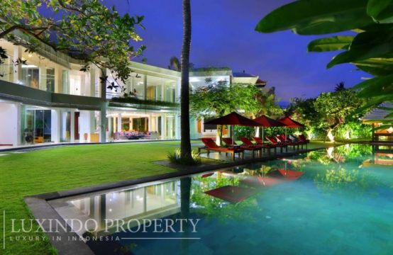 PERERENAN – CONTEMPORARY MINIMALIST VILLA CLOSE TO THE BEACH (LHV043)