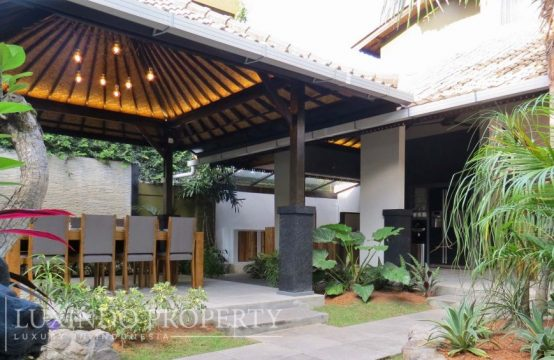 SEMINYAK – 3 BEDROOMS COMMERCIAL VILLA IN DEMANDED AREA OF SEMINYAK