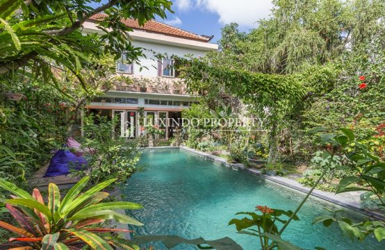 KEROBOKAN – STUNNING 2 BEDROOMS VILLA FOR LEASEHOLD SALE IN KEROBOKAN (LHV093)