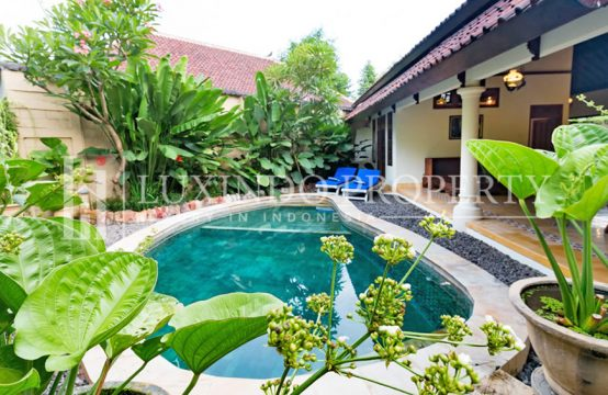 SEMINYAK – 3 BEDROOMS VILLA IN THE COMPLEX VILLA IN SEMINYAK (RV028)