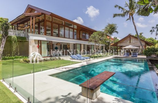 BERAWA – ARCHITECTURAL 5 BEDROOM VILLA IN THE HEART OF BERAWA CANGGU (LHV113)