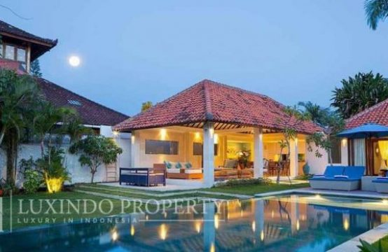 SANUR – CONTEMPORARY 4 BEDROOM VILLA FOR RENT IN THE HEART OF SANUR (RV130)