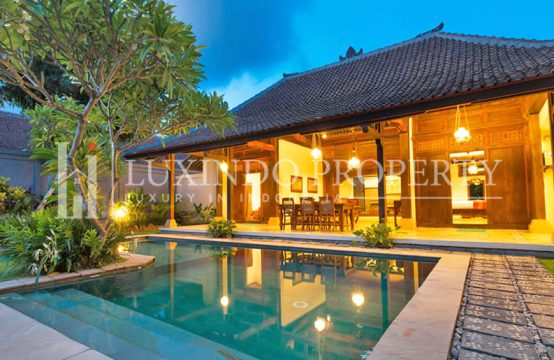 SEMINYAK – 2 BEDROOMS VILLA IN THE COMPLEX VILLA IN SEMINYAK (RV032)