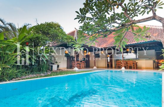 SEMINYAK – 3 BEDROOMS VILLA IN THE COMPLEX VILLA IN SEMINYAK (RV029)