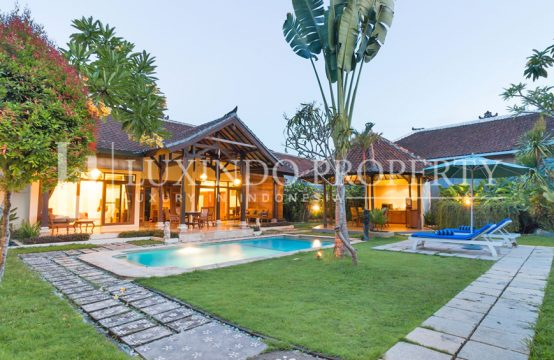 SEMINYAK – 2 BEDROOMS VILLA IN THE COMPLEX VILLA IN SEMINYAK (RV030)