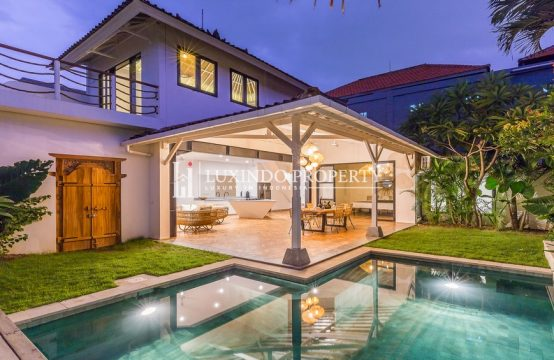 SEMINYAK – NEWLY RENOVATED 2 BEDROOM VILLA FOR A LEASEHOLD SALE IN BIDADARI (LHV122)