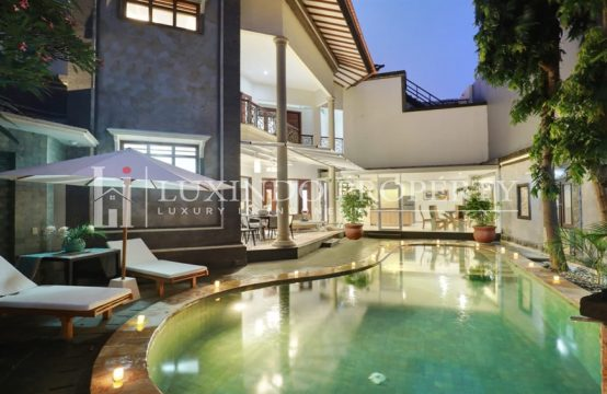 KEROBOKAN – THE FINEST IN LUXURY LIVING (RV150)