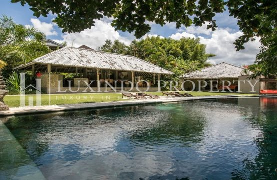 UMALAS – 3 BEDROOM VILLA IN QUIET AREA AVAILABLE FOR YEARLY RENTAL (RV159)