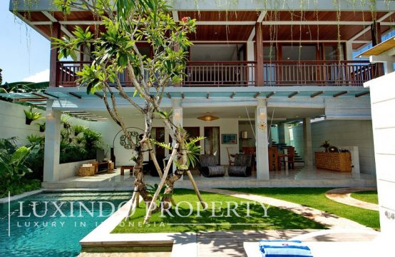SEMINYAK – 3 BEDROOM TOWNHOUSE VILLA WALKING DISTANCE TO LIVELY ATTRACTIONS ON MAIN ROAD (LHV139)
