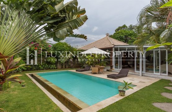 LEGIAN – MODERN BALINESE ARCHITECTURAL 1 BEDROOM VILLA FOR LEASEHOLD SALE IN LEGIAN (LHV132)
