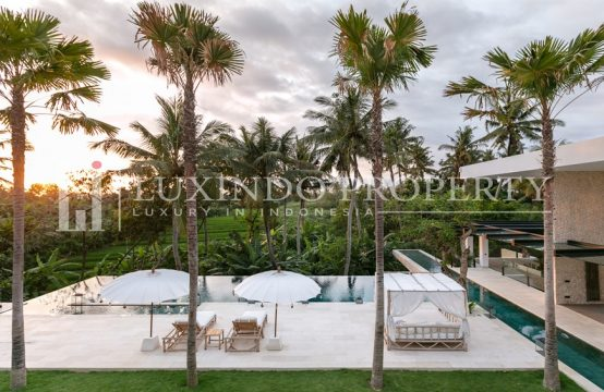 PERERENAN – A LUXURIOUS TROPICAL OASIS WITH SPECTACULAR VIEW FOR YEARLY RENTAL (RV169)