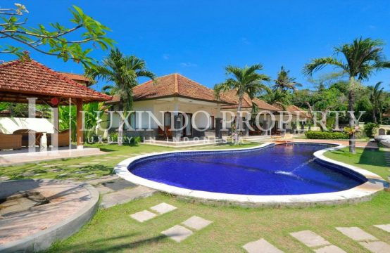 KERAMAS – CHARMING BEACHFRONT VILLA INSIDE COMPLEX FOR FREEHOLD SALE (FHV148)