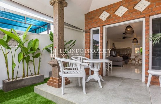 CANGGU – 3 BEDROOM HOUSE WITH RICE FIELDS VIEW FOR MONTHLY RENTAL (RV189)