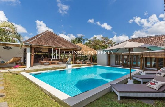 KEROBOKAN JL RAYA CANGGU – TRADITIONAL 6 BEDROOM VILLA FOR MONTHLY RENTAL (RV186)