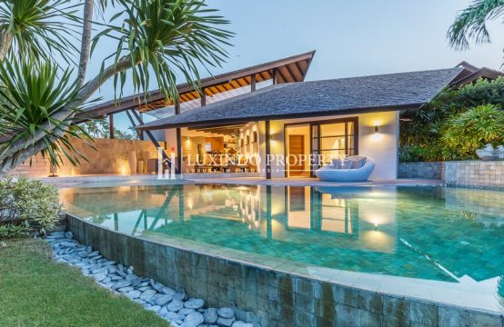 SEMINYAK – SLEEK AND LUXURIOUS DESIGNER VILLA FOR LEASEHOLD SALE (LHV210)