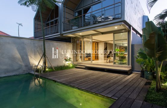 UMALAS – ARCHITECURAL TOWNHOUSE FOR LEASE IN BUMBAK (LHV211)