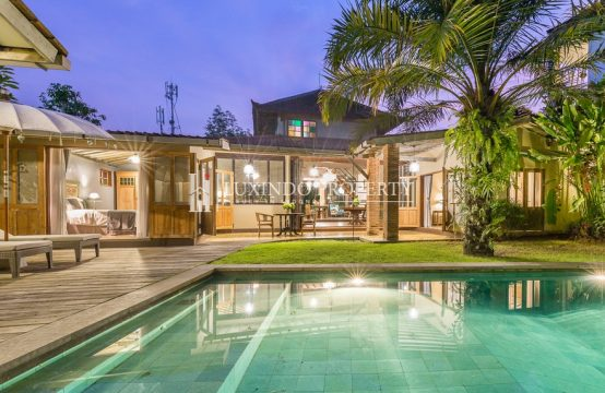 UMALAS – AUTHENTIC STYLE VILLA IN BUMBAK UMALAS FOR LEASE (LHV214)
