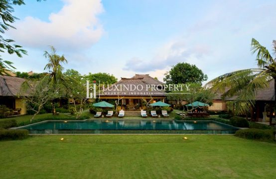 UMALAS – LUXURIOUS RIVERSIDE VILLA FOR FREEHOLD SALE (FHV160)