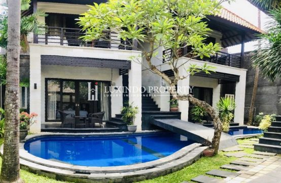 UMALAS – 6 BEDROOM BALINESE VILLA FOR RENT (RV197)