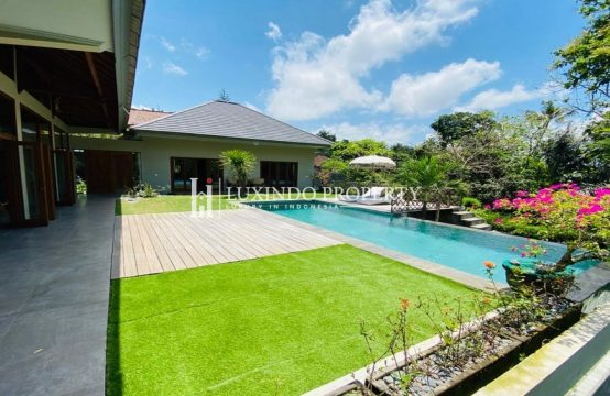 CEPAKA – THREE BEDROOMS VILLA WITH JUNGLE AND RIVER VIEW FOR YEARLY RENTAL (RV201)