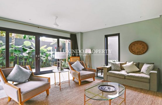 CANGGU – STYLISH FOUR BEDROOM VILLA FOR LEASEHOLD SALE (LHV234)