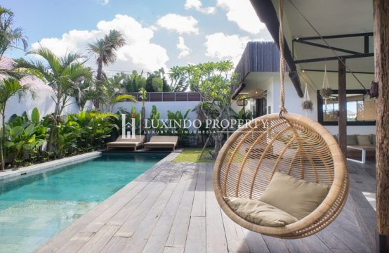 KEROBOKAN – THREE BEDROOM VILLA WITH RUSTIC CHARM FOR LEASEHOLD SALE (LHV233)