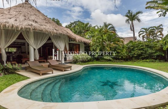SEMINYAK – BEAUTIFUL NINE BEDROOM VILLA FOR LEASEHOLD SALE (LHV235)