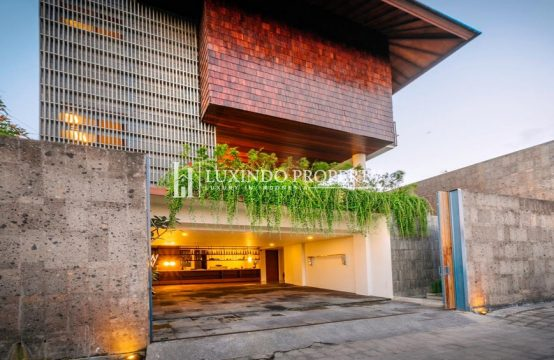 BERAWA – FOUR BEDROOM LUXURY DESIGNED VILLA FOR FREEHOLD SALE IN CANGGU (FHV179)