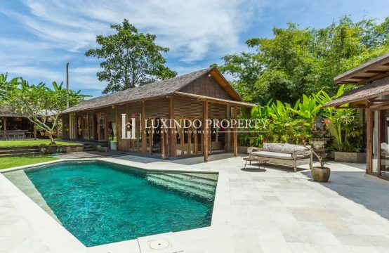 KEROBOKAN – CHARMING WOODEN HOME FOR LEASEHOLD SALE (LHV242)