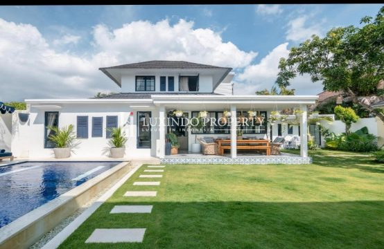 SEMINYAK – COLONIAL INFLUENCED VILLA FOR LEASE (LHV277)
