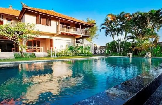 CANGGU- 3 BEDROOM VILLA WITH RICE FIELD VIEW FOR SALE FREEHOLD IN BERAWA (FHV218)